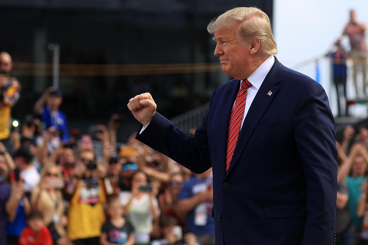 """Báo mạng Trung Quốc: Bầu cử Hoa Kỳ là một cuộc """"đọ sức giữa chính và tà"""" (ảnh 2)"""