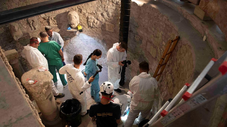 Các chuyên gia pháp y đã phát hiện hàng nghìn khúc xương được cho là của 12 thi thể tại 2 hầm mộ trong thành Vatican