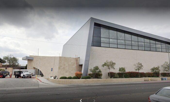 Học sinh cấp ba đệ đơn kiện mô hình 'giáo dục' cánh tả tại Nevada