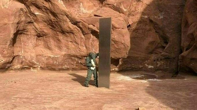 Ảnh chụp cột kim loại tại tiểu bang Utah, Mỹ vào ngày 25/11.
