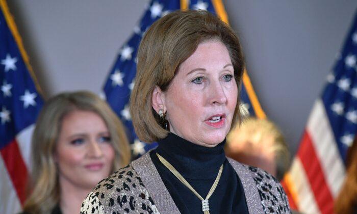 Luật sư Sidney Powell: Tòa án tối cao bác bỏ các vụ án tại Wisconsin, Arizona, tiếp nhận các vụ kiện ở Georgia, Michigan