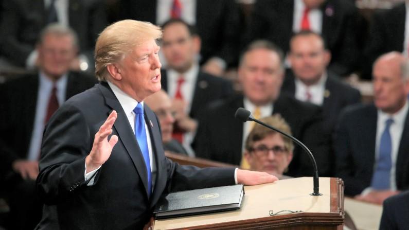 Tổng thống Hoa Kỳ Donald J. Trump đọc bài phát biểu của Liên minh trong phòng của Hạ viện Hoa Kỳ ở Washington, DC. vào ngày 30/1/2018