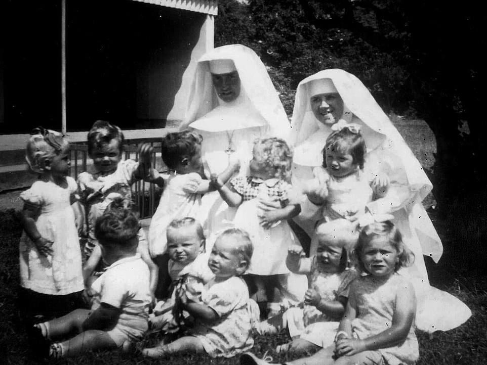 Báo cáo: 9000 trẻ em ngoài giá thú đã chết tại các nhà hộ sinh của Giáo hội Công giáo trong thế kỷ XX - Ảnh 5
