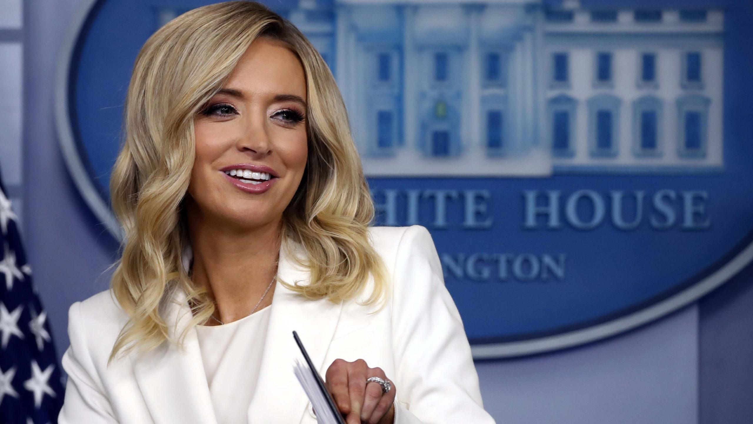 BTV tạp chí Forbes đe dọa các công ty dám thuê thư ký báo chí Nhà Trắng của Trump