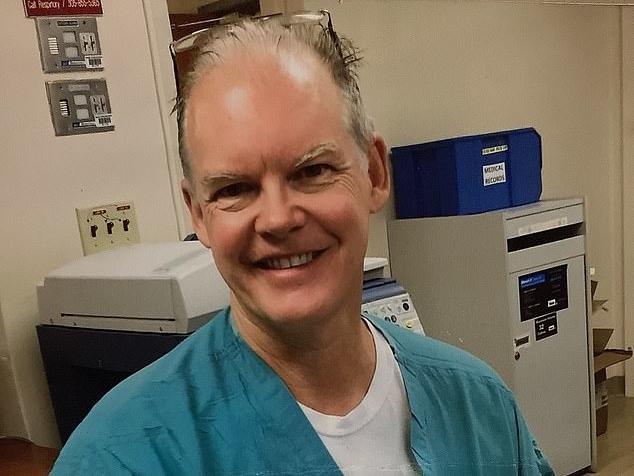 Bác sĩ Mỹ tử vong hai tuần sau khi tiêm vaccine Covid-19
