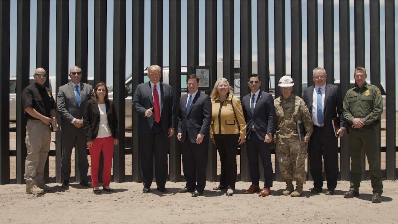 TT Donald Trump phát biểu tại lễ khánh thành dặm thứ 450 của bức tường biên giới