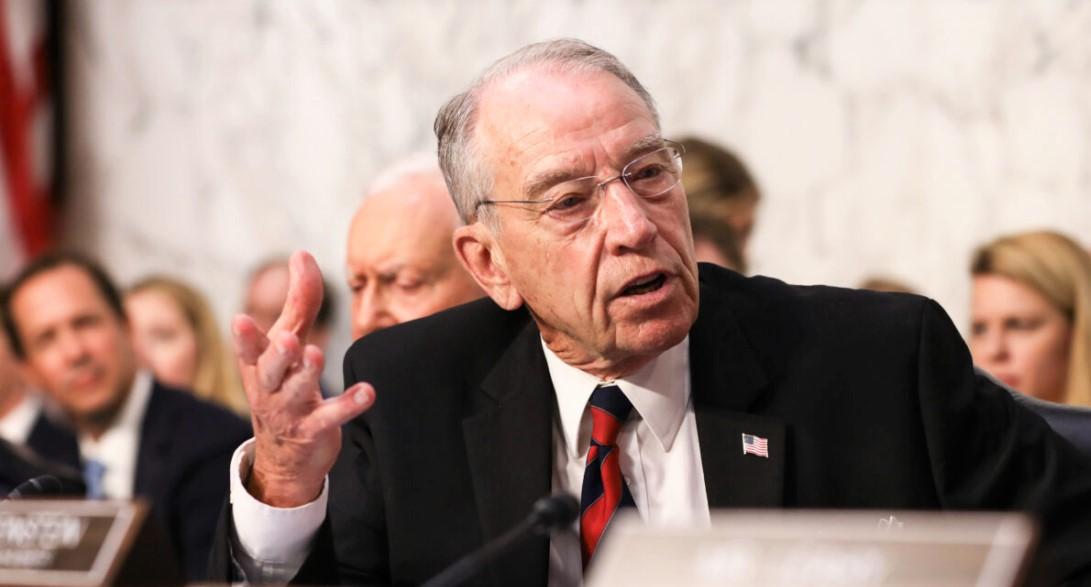 Thượng nghị sĩ Chuck Grassley  phát biểu trong phiên điều trần xác nhận của Thẩm phán Brett M. Kavanaugh trước Ủy ban Tư pháp Thượng viện tại Điện Capitol ở Washington vào ngày 4/9/2018