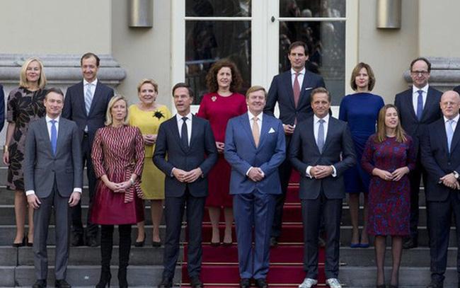 Chính phủ Hà Lan từ chức do buộc tội oan 26.000 gia đình - Ảnh 1