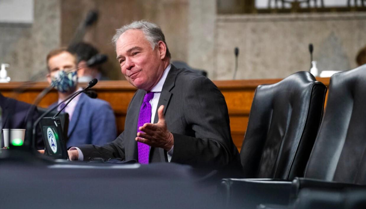 Các Thượng Nghị sĩ cân nhắc việc chỉ trích Trump thay cho phiên tòa luận tội - Ảnh 3
