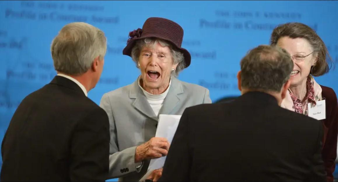 Em gái cố Tổng thống George H.W Bush, Nancy Bush Ellis qua đời vì biến chứng COVID-19 ở tuổi 94