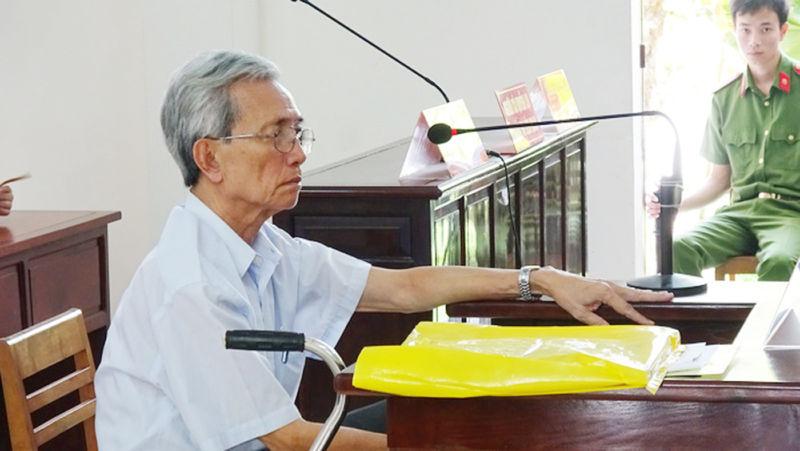 Đảng viên Nguyễn Khắc Thủy phạm tội dâm ô trẻ em qua đời ở nhà riêng