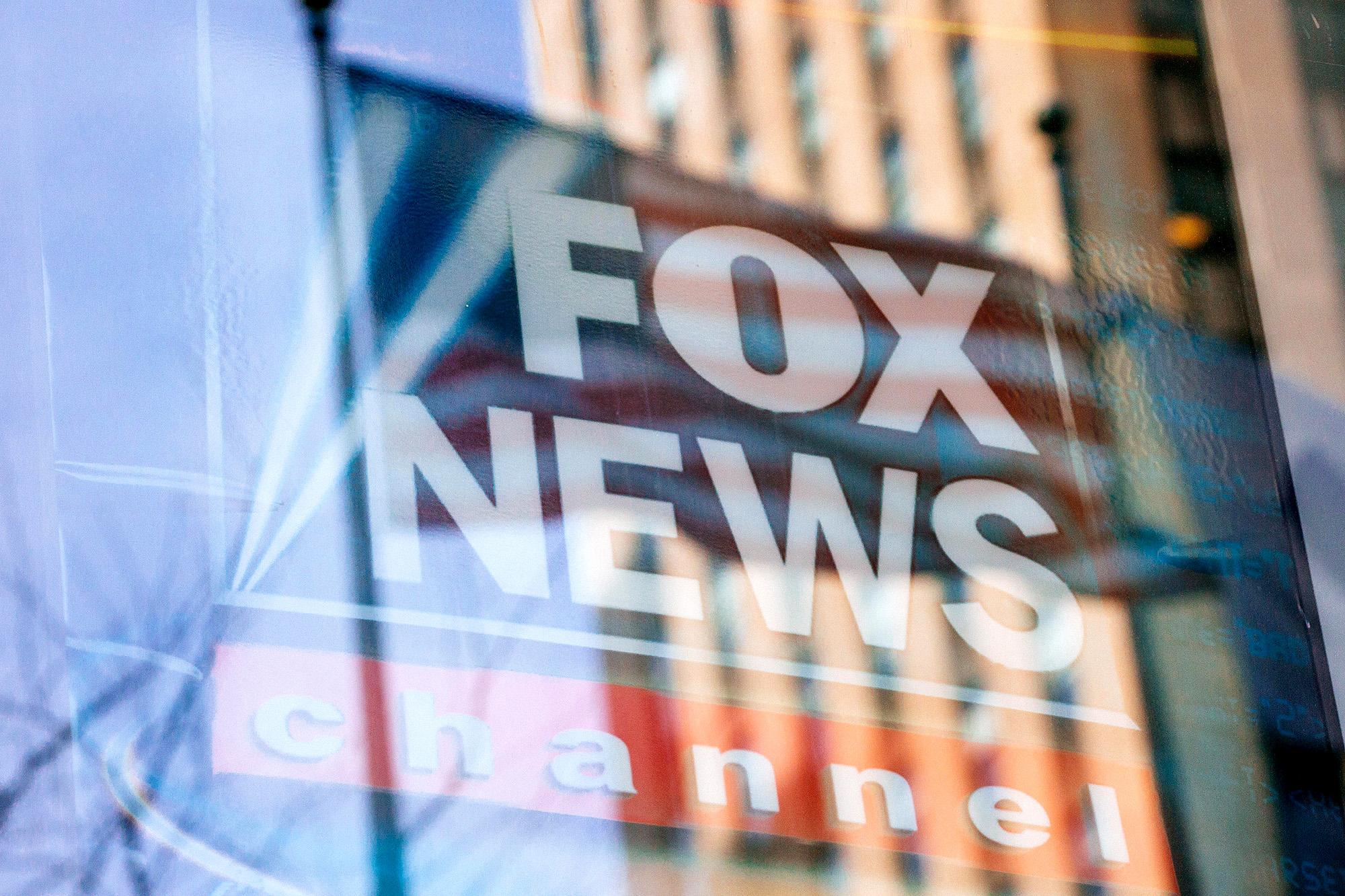 Đảng Dân chủ gây áp lực các nhà phân phối kênh truyền hình ngừng Fox News, Newsmax và OAN