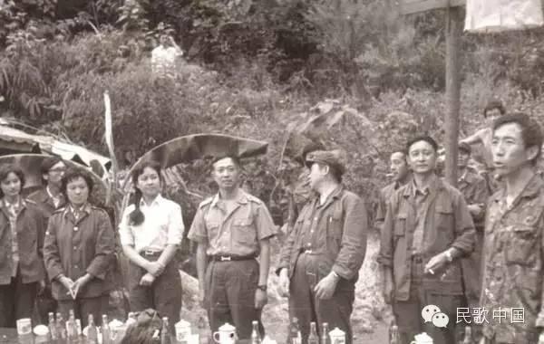 Vợ Tập Cận Bình đã từng hát cổ vũ lính Trung Quốc trong chiến tranh biên giới - Ảnh 4
