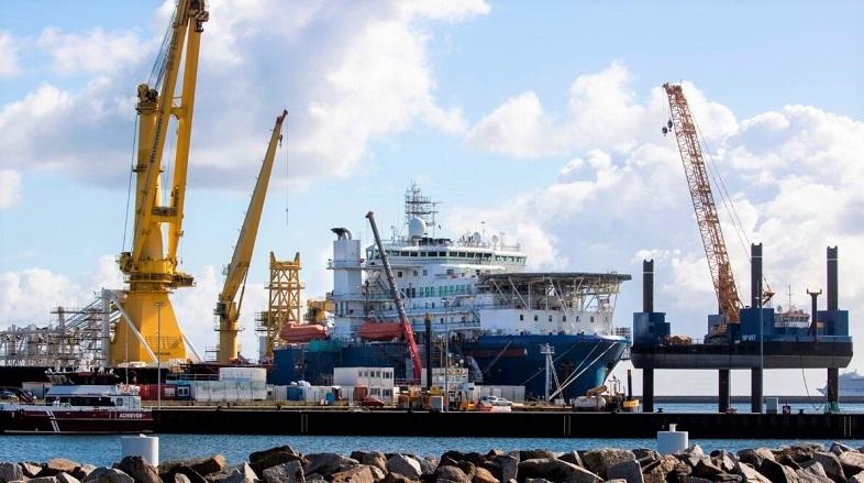 Tàu đặt ống Akademik Cherskiy của Nga được thả neo tại cảng Mukran gần Sassnitz trên đảo Ruegen thuộc Biển Baltic, đông bắc nước Đức, vào ngày 7/9/2020