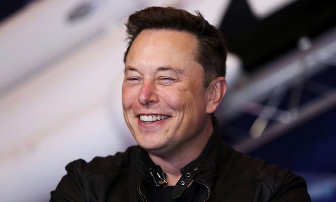 Elon Musk trở lại ngôi giàu nhất thế giới
