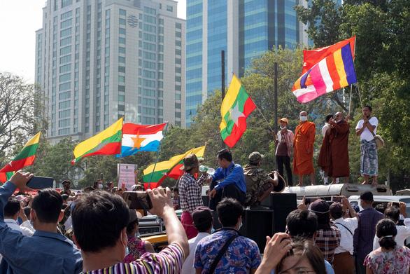 Đảo chính và ba vấn đề của nhà đầu tư nước ngoài ở Myanmar