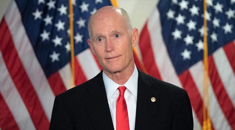 Thượng nghị sĩ Hoa Kỳ Rick Scott, đảng viên Cộng hòa của Florida, nói chuyện với giới truyền thông tại Thượng viện trên Đồi Capitol ở Washington, DC, ngày 10/11/2020