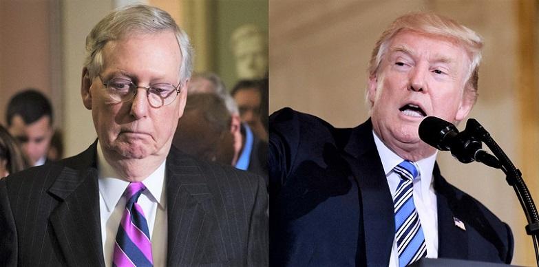 Thượng nghị sĩ Mitch McConnell (trái) và Cựu Tổng thống Donald Trump
