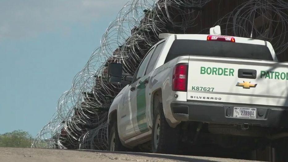 Mỹ: Một thị trấn ban bố 'tình trạng khẩn cấp' vì khủng hoảng người di cư