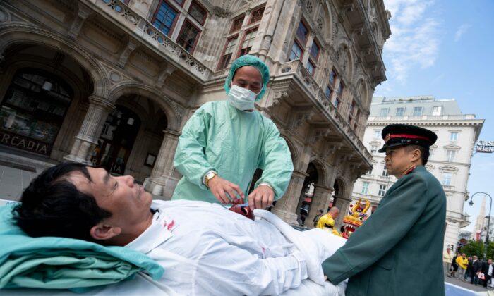 Các hạt tại Mỹ cảnh báo người dân về việc du lịch ghép tạng ở Trung Quốc - Ảnh 1
