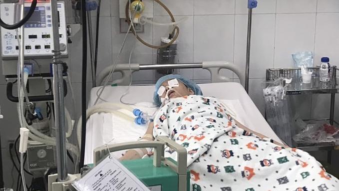 TP.HCM: 1 người tử vong, 5 người nguy kịch nghi do ngộ độc pate chay