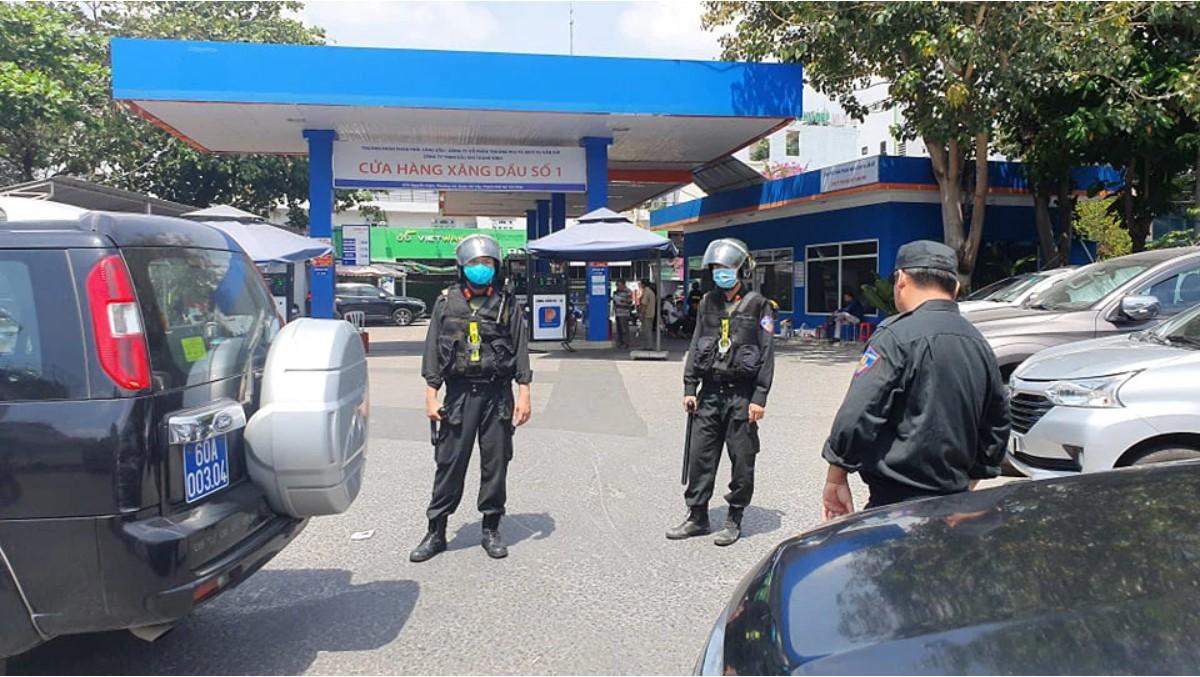 Công an Đồng Nai đồng loạt khám xét khẩn cấp nhiều địa điểm bán xăng ở TP.HCM, Bình Phước