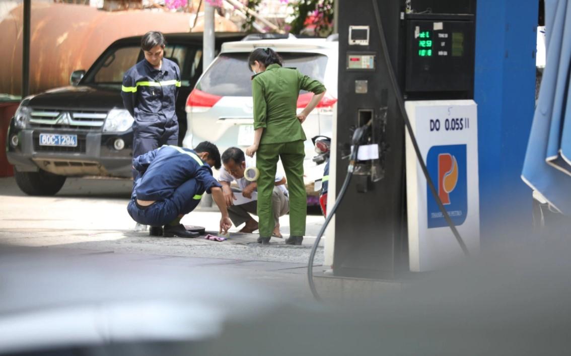 Công an Đồng Nai đồng loạt khám xét khẩn cấp nhiều địa điểm bán xăng ở TP.HCM, Bình Phước - Ảnh 2