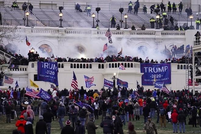 Vụ bạo loạn ngày 6/1 tại Điện Capitol. Ảnh AP.