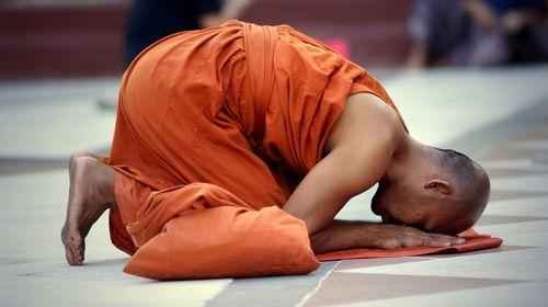 lạy Phật