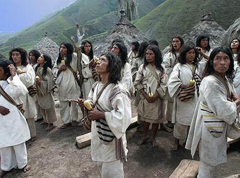 Ẩn mình trong rừng bộ tộc tiên đoán thế giới như thần