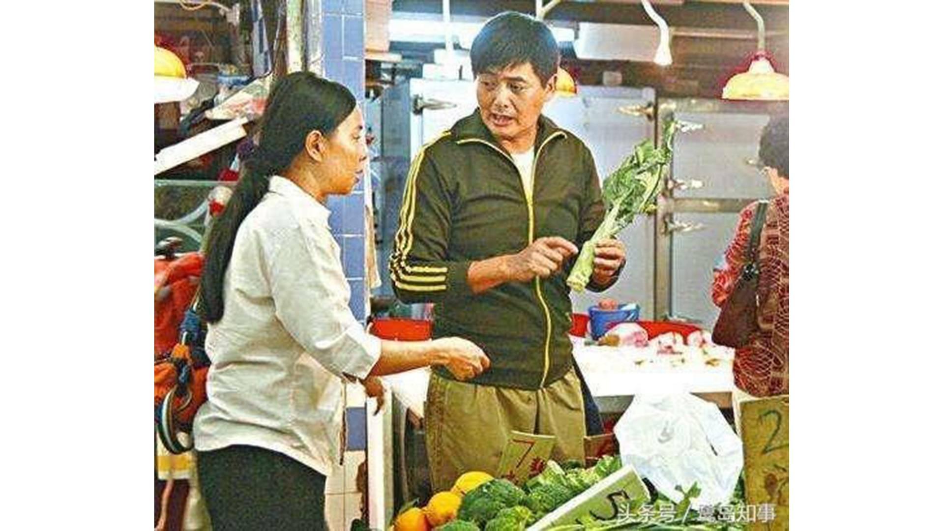 Châu Nhuận Phát còn được gọi vui là kẻ 'keo kiệt' khi mỗi tháng chỉ tiêu dùng 800 đôla Hong Kong (khoảng 2,4 triệu VNĐ).