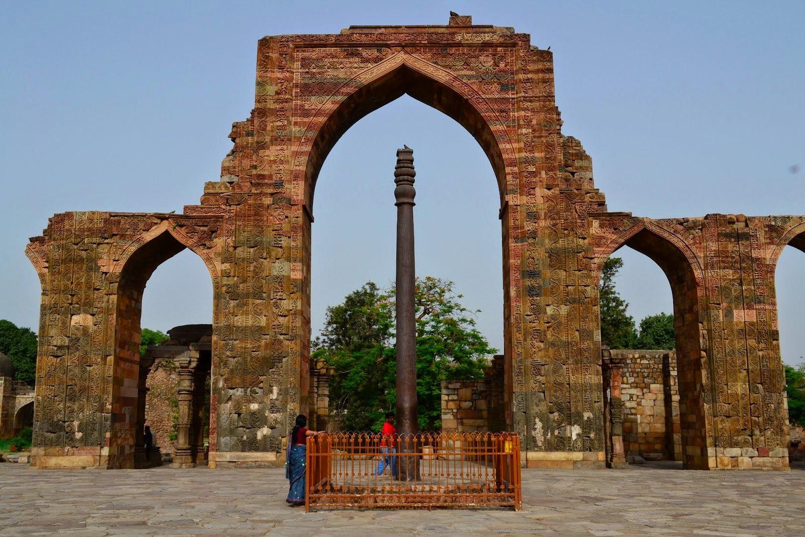 Mystery of 1600 years old Iron Pillar of Delhi ~ Mysteries of india Mar 19,  2011 - The Iron Pillar dates back even furth…   Iron pillar of delhi, New  delhi, Pillars