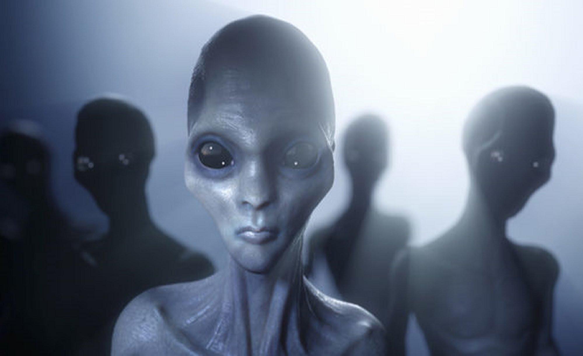 Papa ştie de existenţa extratereştrilor. Cel care a făcut publică  informația a murit la câteva luni. Hilary Clinton, implicată! | Antena 1