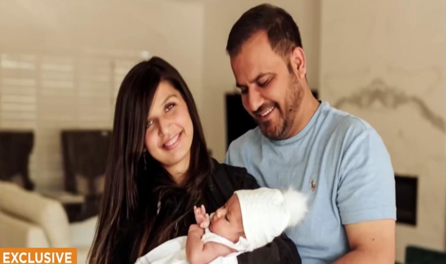 Dù đã được đoàn tụ nhưng gia đình hiện không có bất kỳ giấy tờ tùy thân nào, trong khi vợ và con gái anh cần được chăm sóc y tế. (Ảnh qua New York Post)